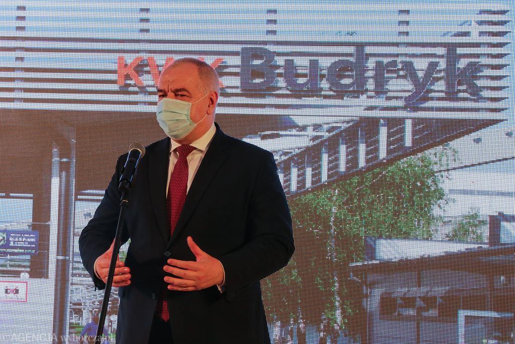Pandemia koronawirusa. Minister aktywów państwowych Jacek Sasin podczas konferencji Prasowej na terenie kopalni Budryk. Ornotowice, 15 maja 2020