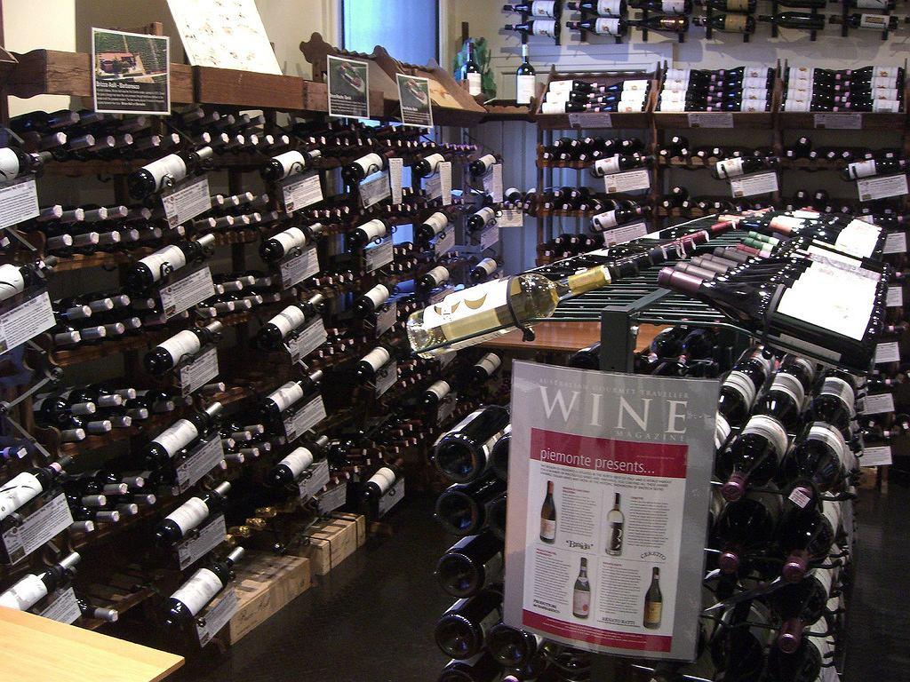 Do Orlenu trafiło 76 tys. butelek wina / zdjęcie ilustracyjne