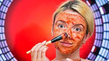 Maseczka z pomidora to najlepszy domowy kosmetyk na przebarwienia