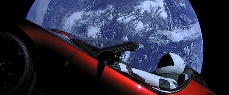 Tesla Roadster Elona Muska okrążyła Słońce