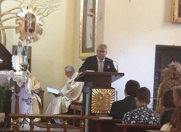 Ryszard Czarnecki przemawia z ambony