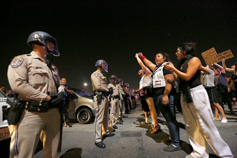 https://bi.im-g.pl/im/1e/fc/13/z20957982IH,Protesty-w-USA.jpg