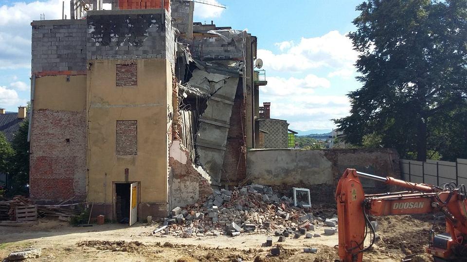 Zdjęcie numer 8 w galerii - Katastrofa budowlana w Bielsku-Białej. Zawaliła się część kamienicy