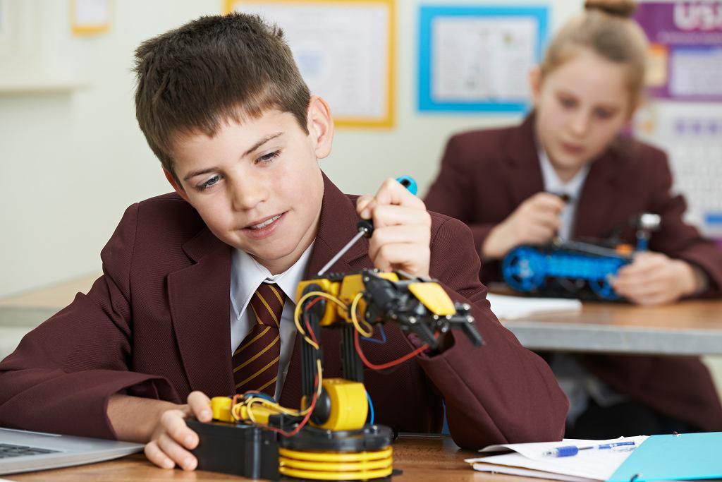 Popyt na prywatne usługi edukacyjne od kilku lat rośnie, szacuje się, że ok. 5 proc. uczniów uczy się w placówkach prywatnych.