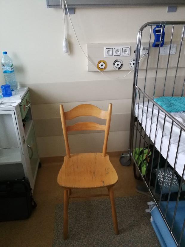 Ile kosztuje pobyt rodzica w warszawskim Centrum Zdrowia Dziecka? Okazuje się, że nawet kilkaset złotych