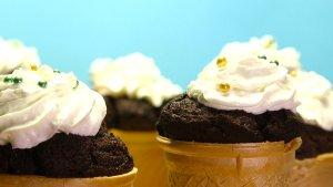 Muffiny buraczane pieczone w wafelkach