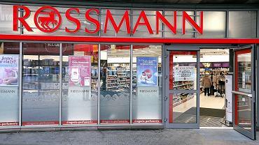 Megapromocja w drogeriach Rossmann. Przeceny do -50 proc.! Co kupimy taniej? Podobne okazje znajdziesz też w Hebe (zdjęcie ilustracyjne)