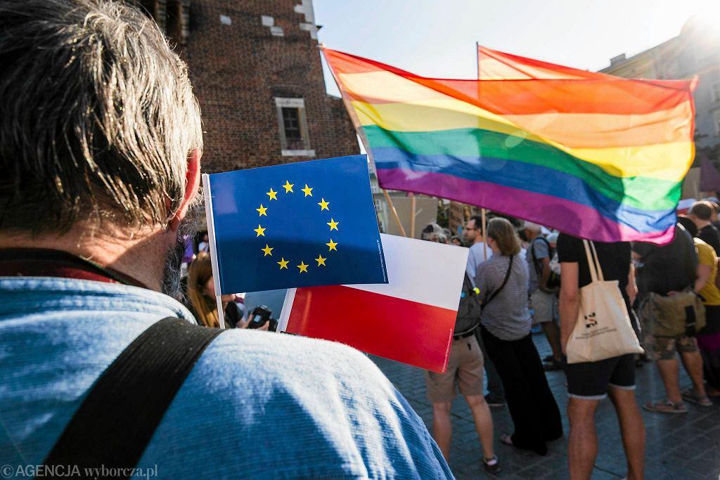 Manifestacja Solidarność naszą bronią na Rynku w Krakowie