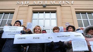 Pikieta pracowników administracyjnych sądu. Rzeszów, 13 grudnia 2018