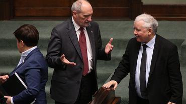 Minister Obrony Narodowej Antoni Macierewicz, Premier Beata Szydło, Jarosław Kaczyński