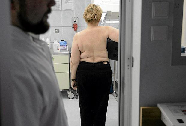 Rocznie ma Pomorzu ponad tysiąc kobiet dowiaduje się, że ma nowotwór piersi. Nieco ponad 300 nie udaje się uratować.