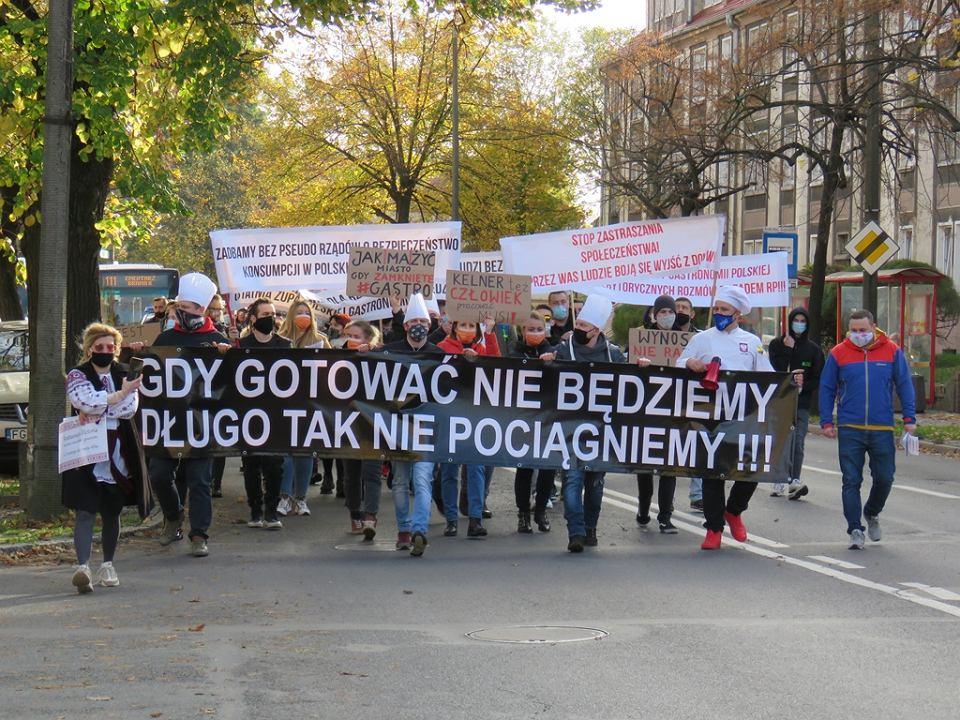 Gastro Protest w Gorzowie. Pracownicy branży gastronomicznej zanieśli petycję do wojewody