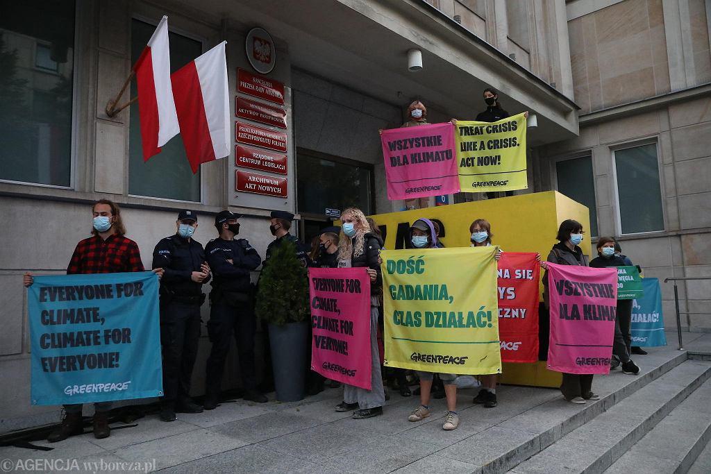 Greenpeace blokuje Ministerstwo Aktywów Państwowych przy Wspólnej