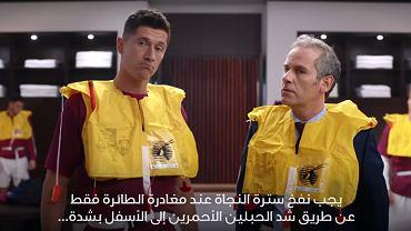 Lewandowski prezentuje samolotowe procedury bezpieczeństwa