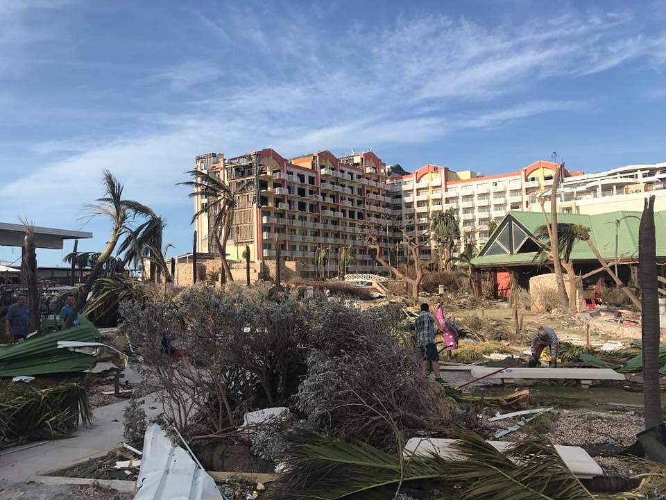 Hotel po przejściu huraganu