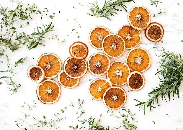 Wigilia 2019. Jak suszyć pomarańcze na choinkę? Dwa proste sposoby