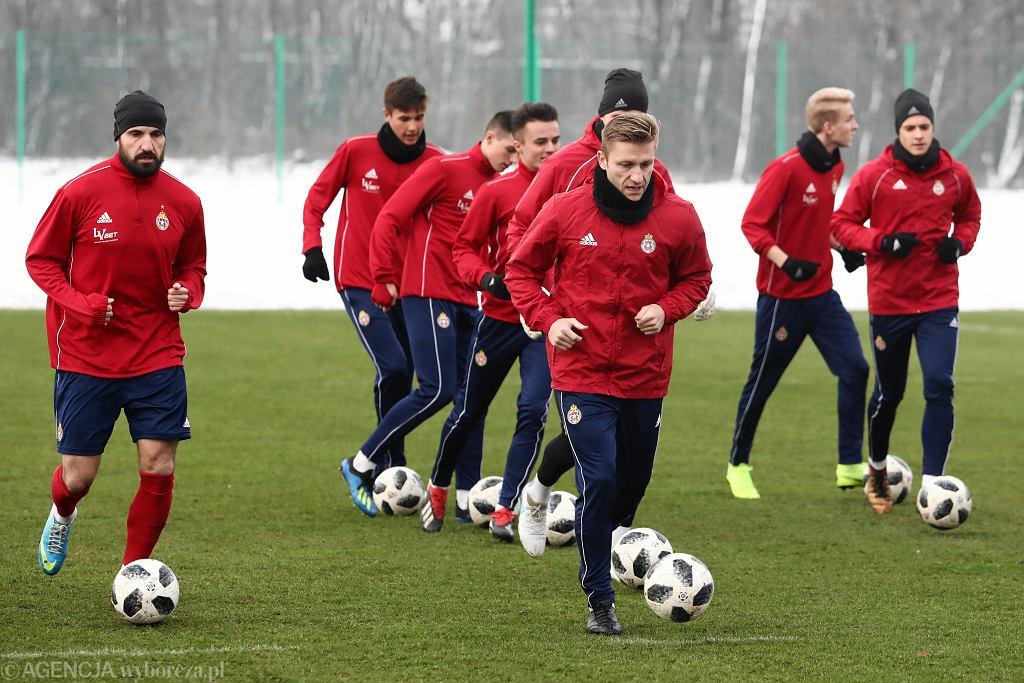 Piłkarze Wisły Kraków będą rozdawać pączki w Tłusty czwartek