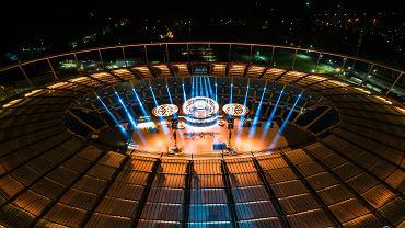 Stadion Śląski w Chorzowie, przygotowania do Sylwestrowej Nocy Przebojów sfotografowane z drona
