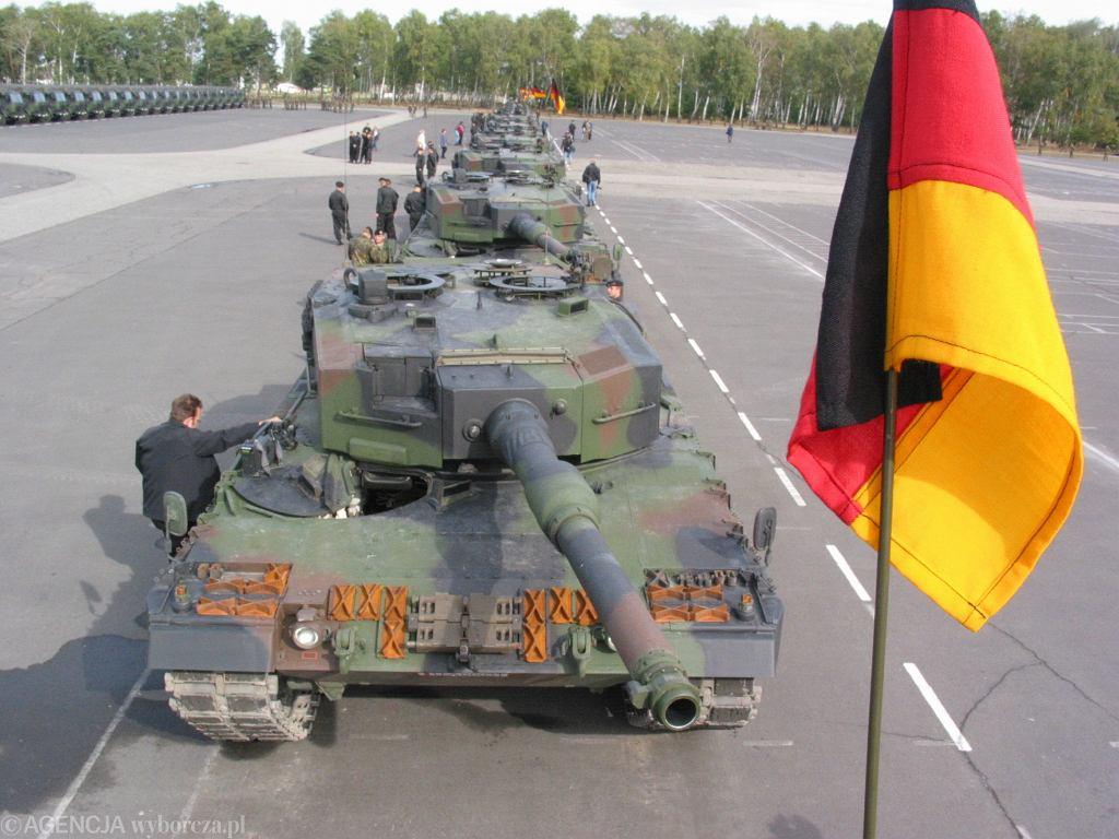 Oficjalne przekazanie przez Bundewehre 15 czołgów Leopard