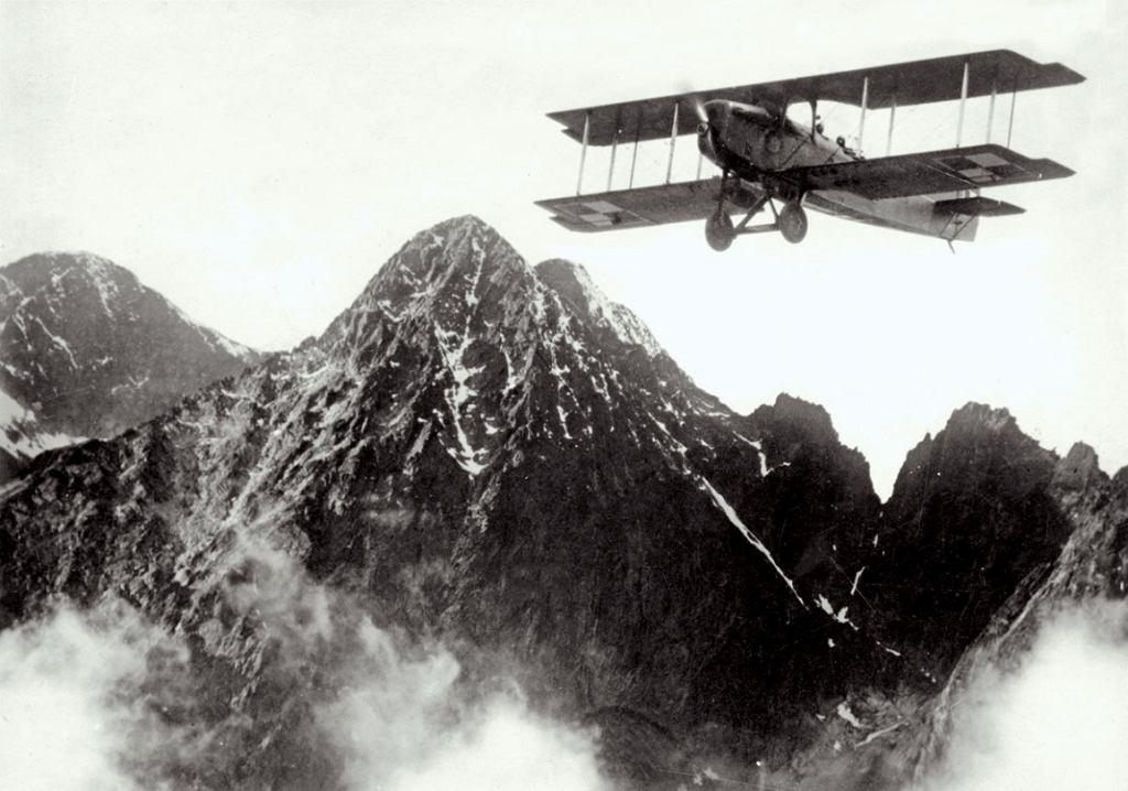 Przelot nad Tatrami (fot. Narodowe Archiwum Cyfrowe)