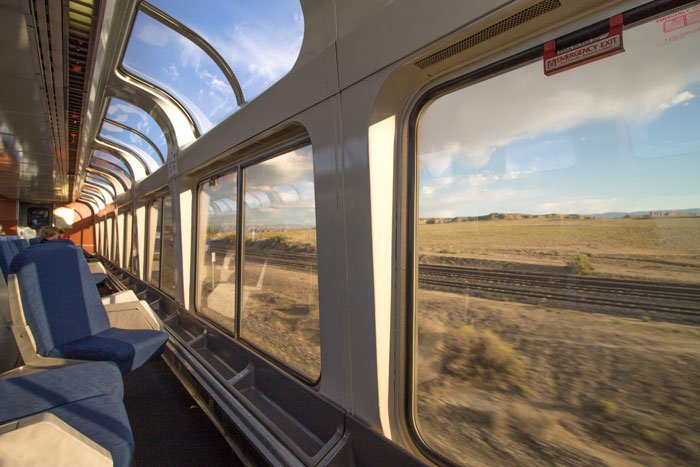 Wagon z panoramicznymi oknami