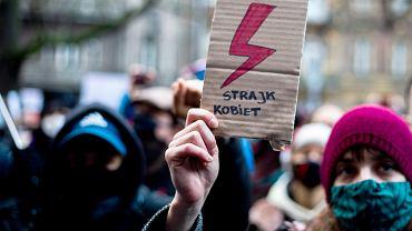 Kraków. Protest Strajku Kobiet w związku z zaostrzeniem prawa aborcyjnego.
