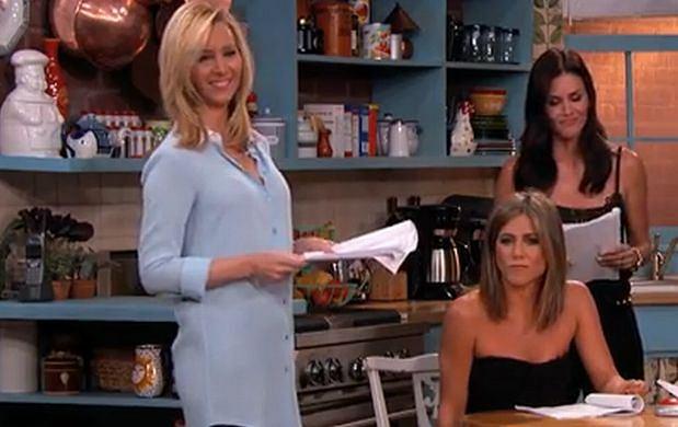 kiedy Monica i Chandler po raz pierwszy się łączą wroc super szybkie randki
