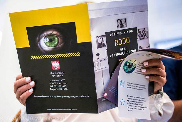 Broszura dla przedsiębiorców w związku z wejściem przepisów o ochronie danych osobowych RODO