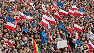 Komitet Obrony Demokracji w Poznaniu - druga demonstracja na placu Wolności (19 grudnia)