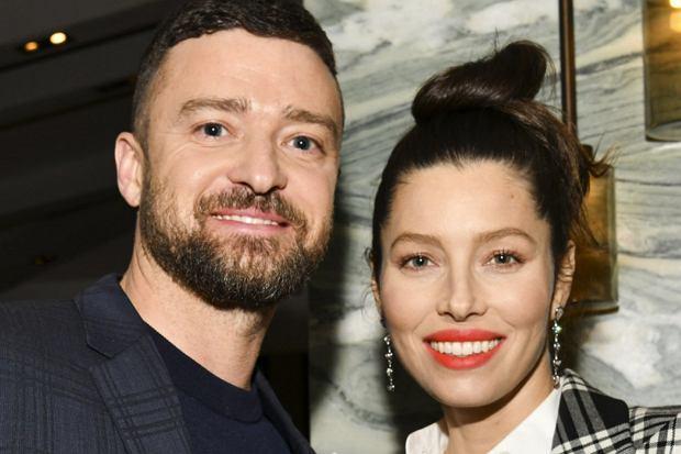 """Justin Timberlake i Jessica Biel chyba przezwyciężyli kryzys. Gwiazdorska para pojawiła się ostatnio na premierze trzeciego sezonu """"Grzesznicy"""" w Kalifornii. Wyglądali na bardzo szczęśliwych."""