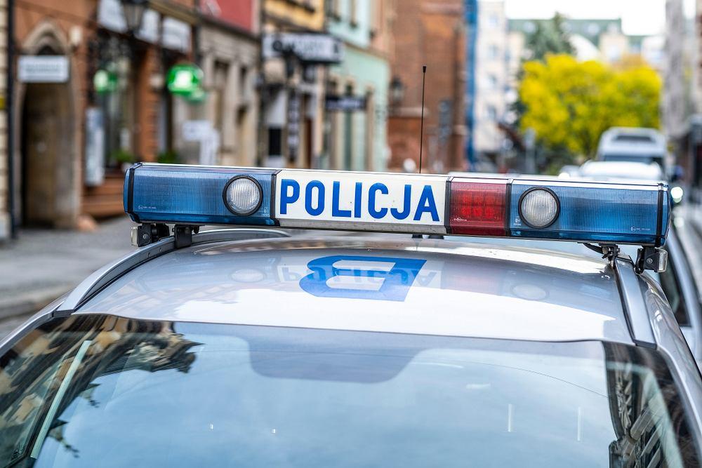 Poród. Policjanci eskortowali mamę i dziecko do szpitala