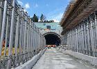 Zakopianka.Tunel na Zakopiance przebity. Kosztował miliard złotych