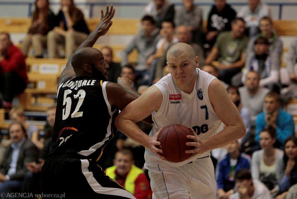 Damian Kulig w barwach PBG Basketu Poznań