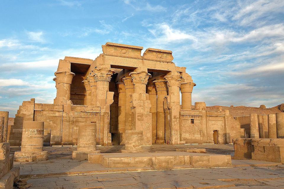 egipskie piramidy datowane na węgiel