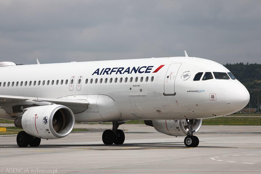 Samolot linii Air France (zdjęcie ilustracyjne)