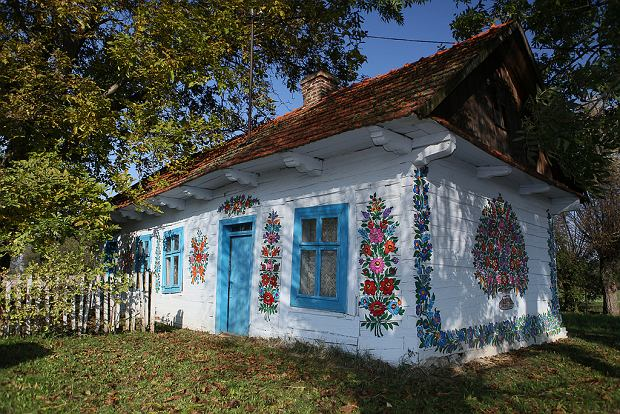 """Wioska, która za granicą określana jest jako """"najpiękniejsza w Polsce"""". Znasz ją? [ZDJĘCIA]"""