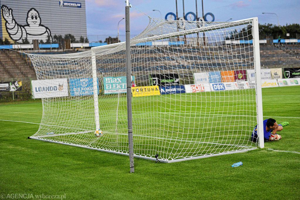 Mecz Stomil Olsztyn - GKS Jastrzębie na stadionie przy al. Piłsudskiego w Olsztynie