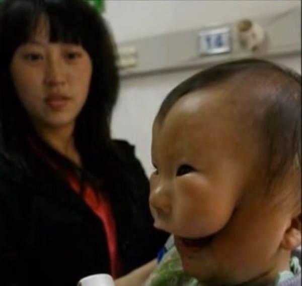 Kangkang z mamą Yi Xilian