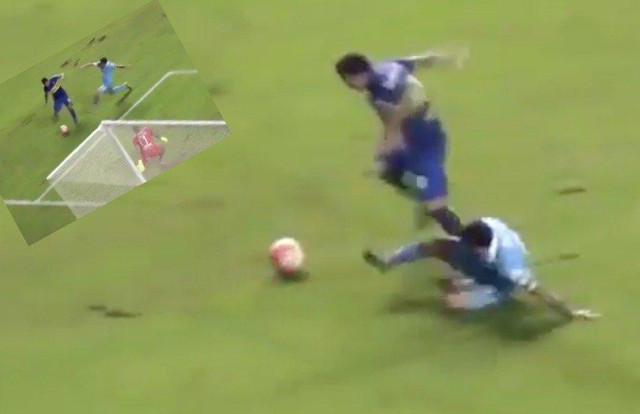 Carlos Tevez strzela fenomenalnego gola