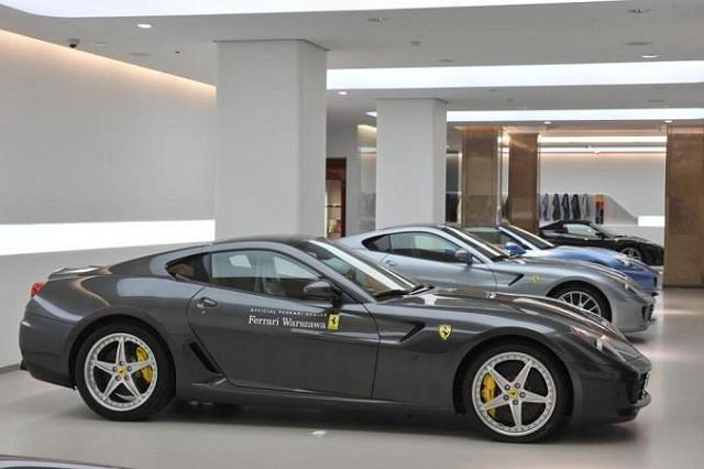 Salon Ferrari w Warszawie