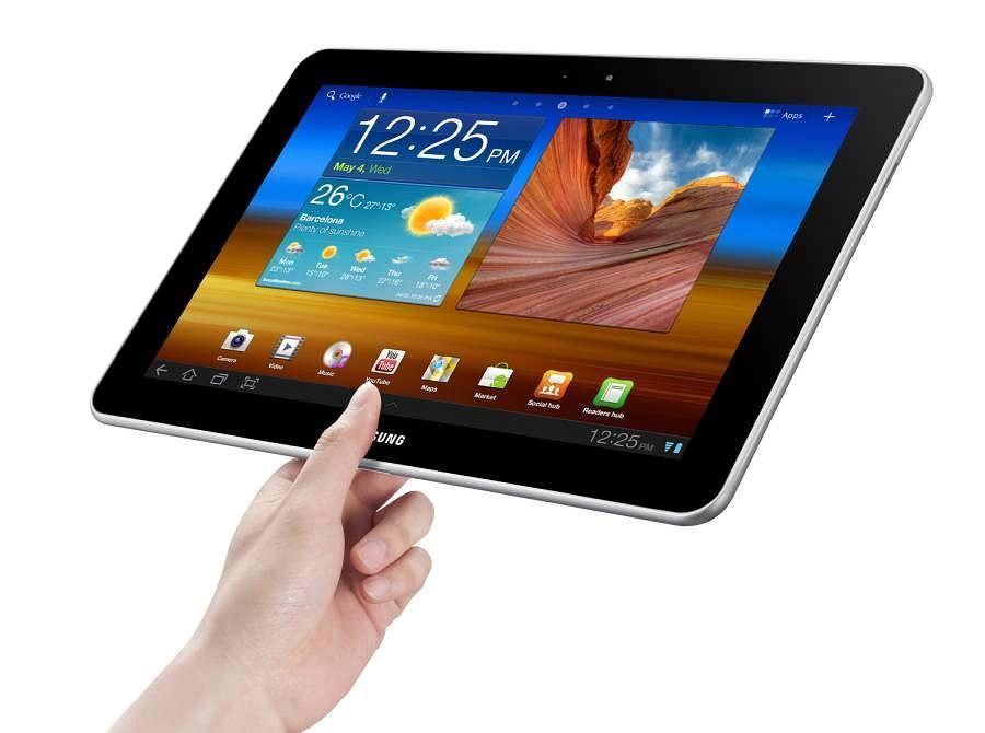 Konkurencja Apple oczywiście nie śpi i prezentuje swoje tablety. Jednym z najbardziej popularnych urządzeń tego typu jest Samsung Galaxy Tab. Obecnie nabyć możemy już drugą generację tego sprzętu, która w sklepach dostępna jest w wersji z 7-calowym lub 10,1-calowym ekranem. Niestety, pomimo starań producenta, Galaxy Tab nie jest aż tak popularnym urządzeniem jak iPad. W sierpniu tego roku opublikowane dane dotyczące sprzedaży, z których wynika, że w drugim kwartale 2012 roku sprzedało się 725 tysięcy tabletów z serii Galaxy Tab.