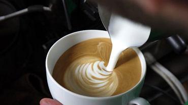 Malowanie na kawie w warszawskiej Filtry Cafe