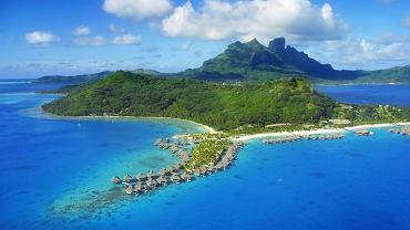 Bora Bora Polinezja Francuska. Kierunek znakomity na romantyczną wycieczkę we dwoje. Daleka Polinezja ma do zaoferowania mnóstwo świetnych atrakcji dla miłośników sportów wodnych.