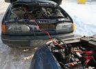 Jak prawidłowo uruchomić samochód przy pomocy kabli rozruchowych?