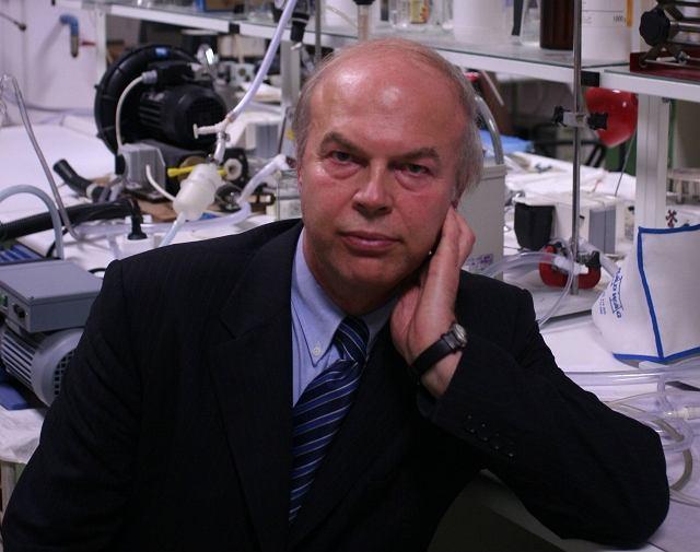Prof. Leon Gradoń
