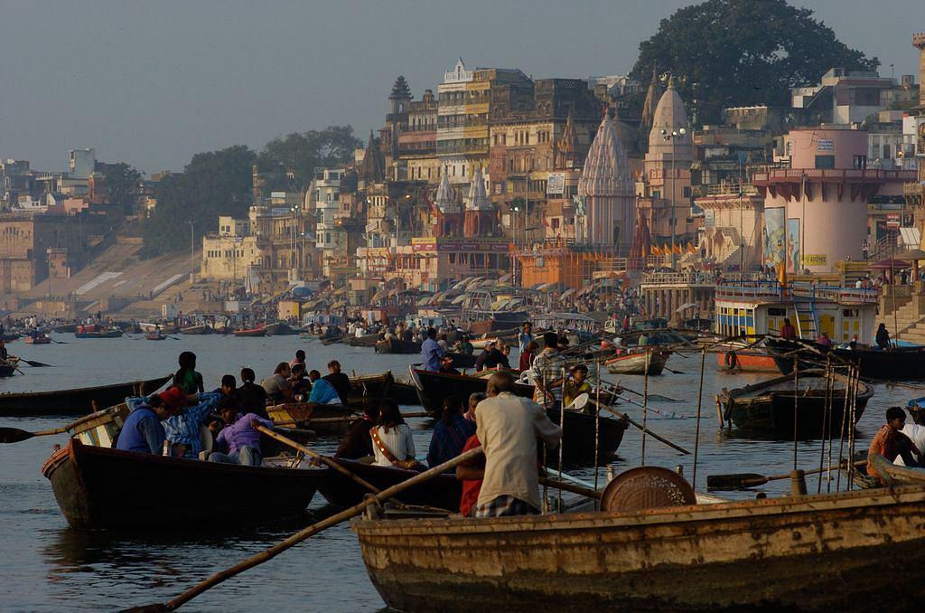 Indie. Miasto Waranasi.
