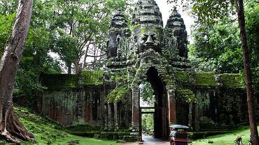 Azja Południowa-Wschodnia - pomysły na tanie podróżowanie - Świątynie Angkoru (Kambodża) / fot. Shutterstock