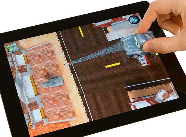 Disney przygotował aplikację Appmates, zamieniającą tablet w tor wyścigowy