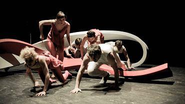 Udana prapremiera 'Ciał obcych' Julii Holewińskiej, laureatki GND w 2010 roku, odbyła się w gdańskim Teatrze Wybrzeże