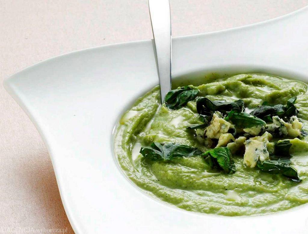 Zupa krem kalafiorowo-brokułowa z niebieskim serem